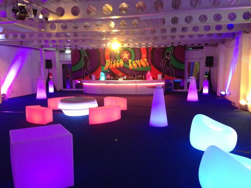 Exhibition Stall Lights : Innovative ideas for exhibition stalls conex